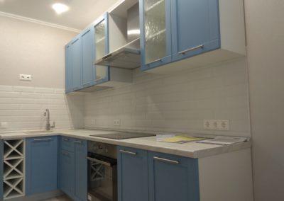 Ремонт кухни в спокойных тонах