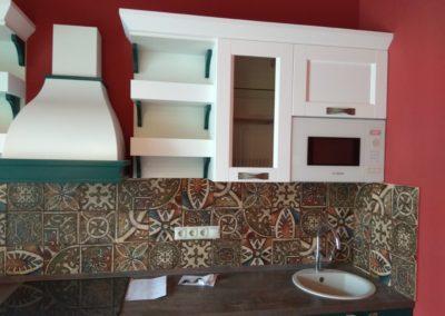 Яркий ремонт кухни